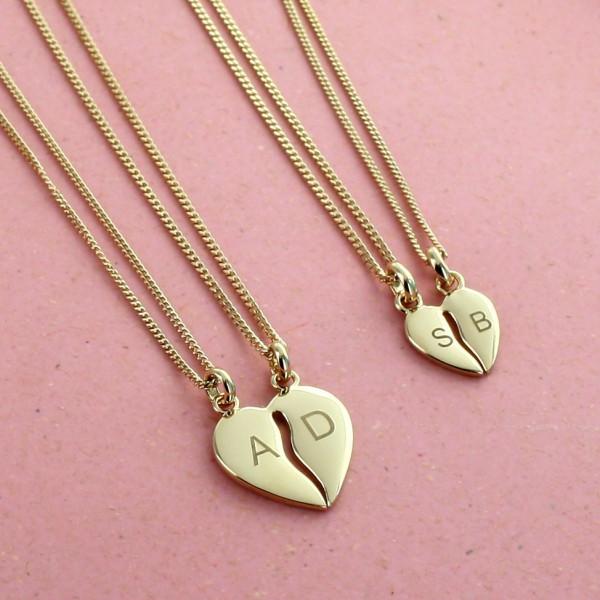 Le pendentif coeur gravé à partager