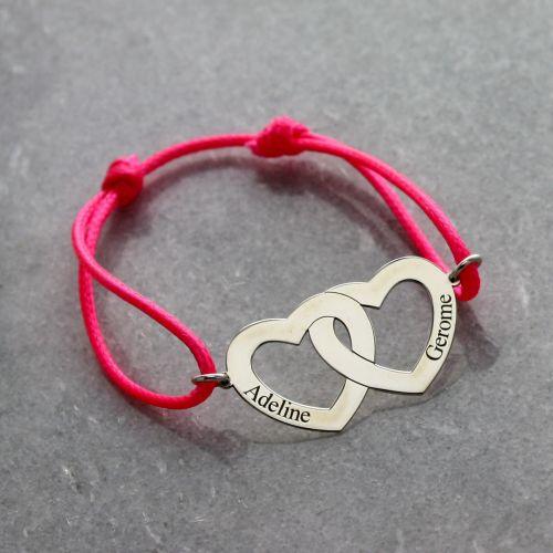 Bracelet gravé double coeur sur cordon
