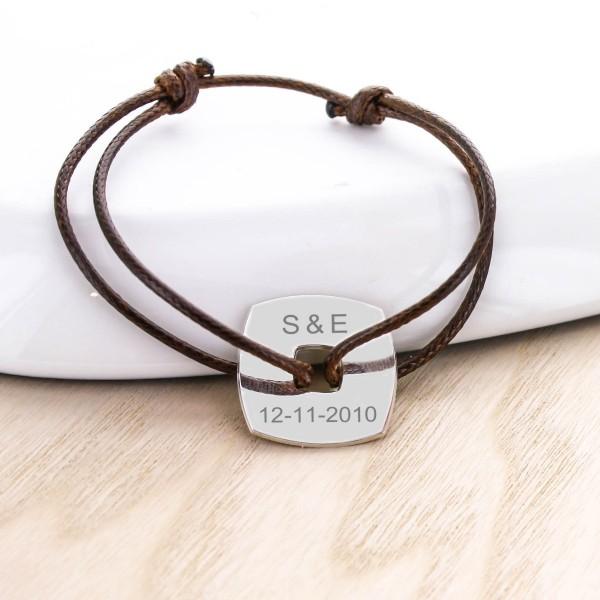 Bracelet cordon jeton carré gravé en argent