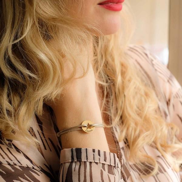 Bracelet gravé jeton forme étoile sur cordon