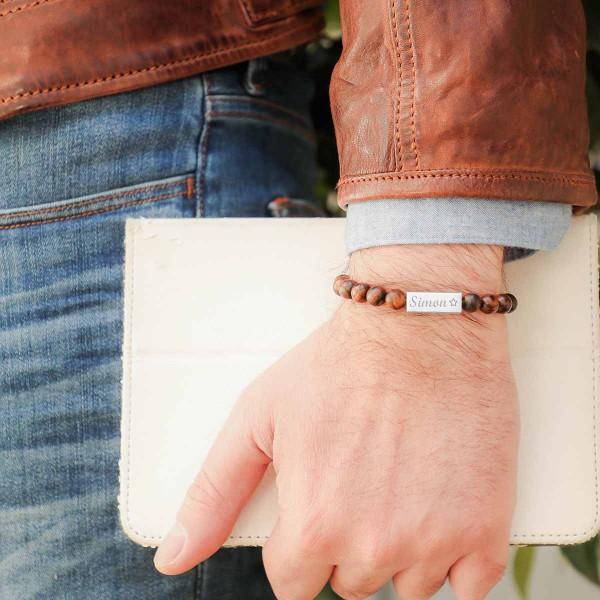 Bracelet perles bois et plaque acier à personnaliser