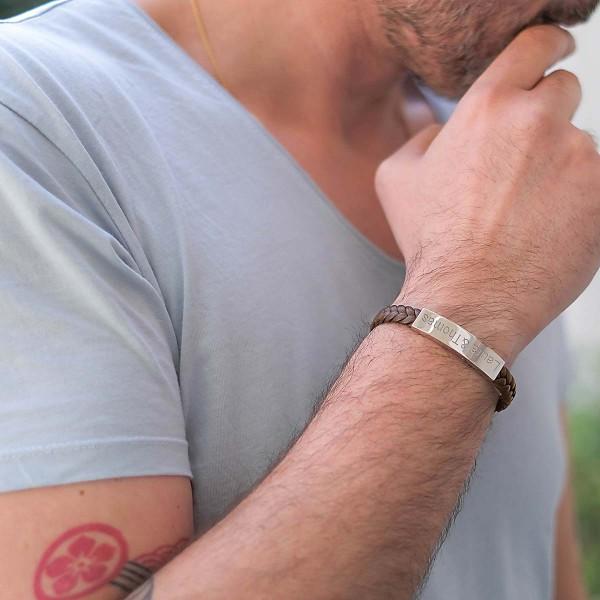 Bracelet gravé pour Homme en Acier et Cuir Tressé Camel et Marine