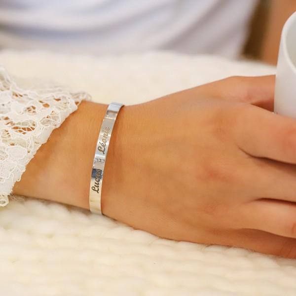 Bracelet Jonc et 3 diamants à la verticale