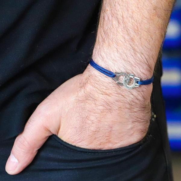 Bracelet personnalisé menottes sur cordelette marine